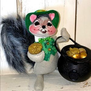 ☘️AnnaLee St. Patrick's Day Squirrel Mouse☘️